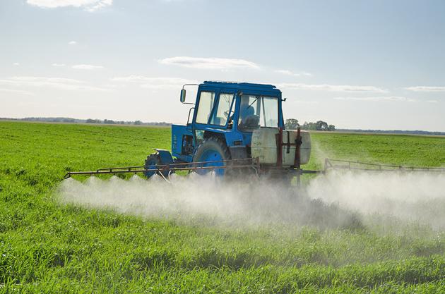 pesticide-spraying-field-toxic